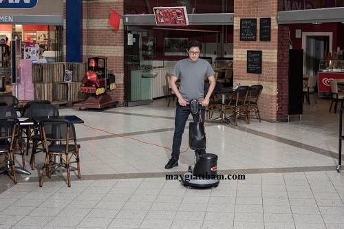 Hướng dẫn sử dụng máy chà sàn đơn đúng quy chuẩn