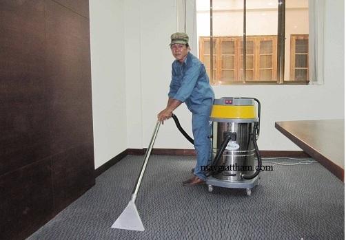 Với khả năng làm sạch nhanh chóng máy giặt thảm phun hút giúp tiết kiệm thời gian dọn dẹp