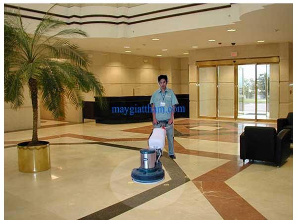 Bảo quản máy chà sàn đúng cách giúp làm tăng thời gian sử dụng