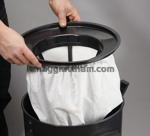Vệ sinh túi lọc bụi của máy hút bụi công nghiệp