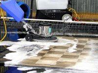 Một số loại máy chà sàn có kết hợp cả tính năng giặt thảm hiện đại