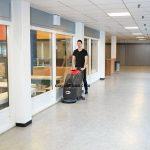 Vì sao nên sử dụng máy chà sàn cho nhà hàng?