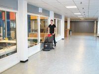 Vì sao nên chọn máy chà sàn công nghiệp vệ sinh cho nhà hàng?