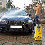 Rửa xe không đúng cách có thể dẫn tới chết động cơ của xe ô tô