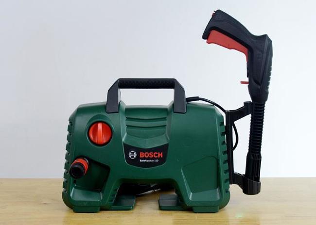 Máy rửa xe Bosch Easy AQT 110