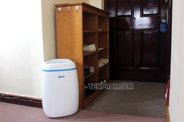 máy hút ẩm trong nhà