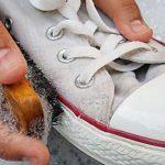 Cách giặt giày trắng không bị ố vàng