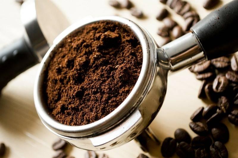 sử dụng cafe để khử mùi