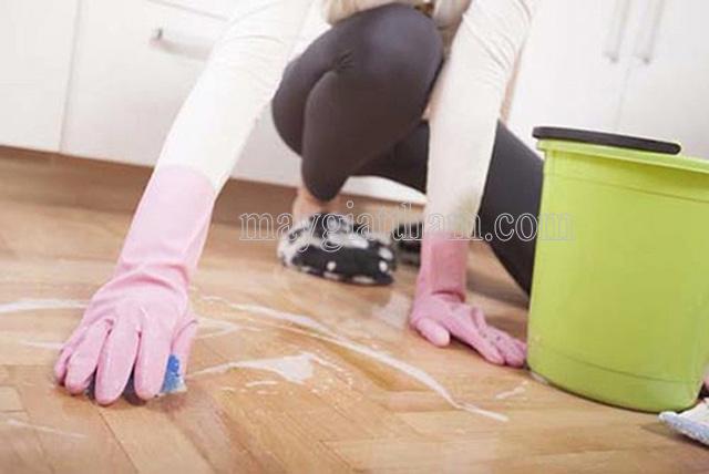 lau dọn sàn nhà