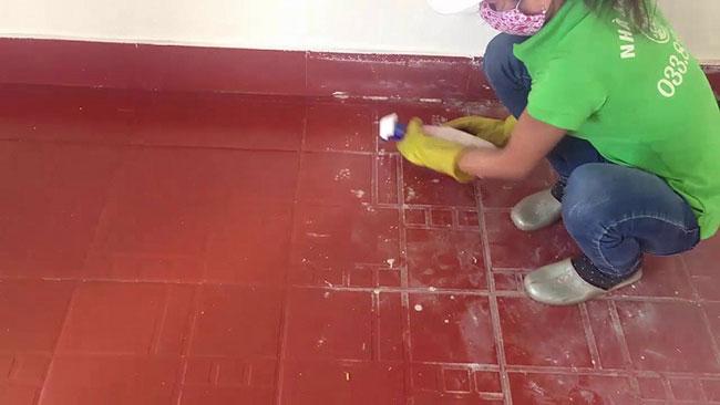 cách làm sạch xi măng trên nền nhà