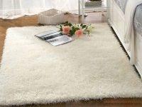 cách giặt thảm long xù màu trắng