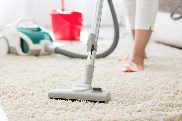 vệ sinh hút bụi thảm lông xù thường xuyên