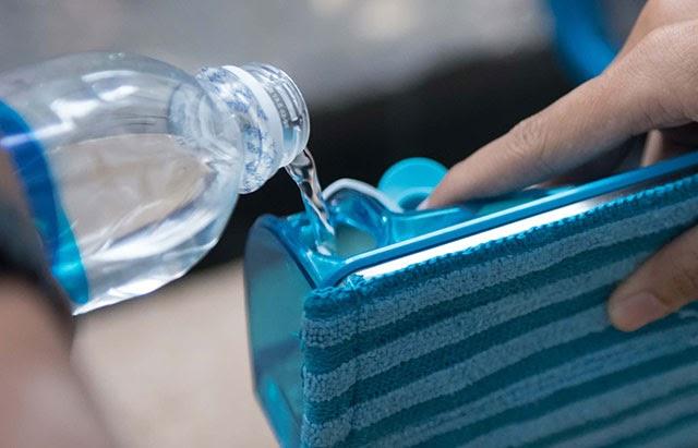 Cấp nước cho máy nếu muốn sử dụng tính năng lau nhà